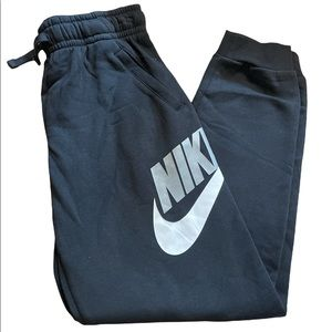 Nike Sweatpants New! Never worn Tag come off